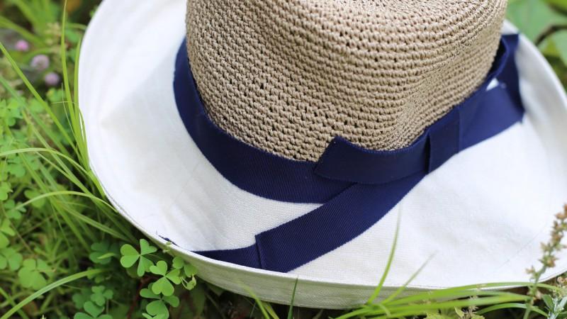 帽子と紫陽花
