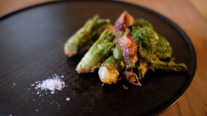 ホタルイカと山菜の磯揚げ